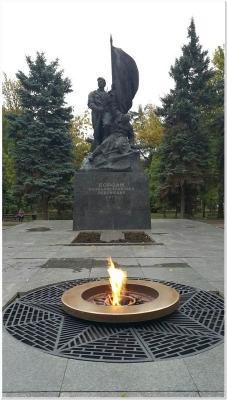 Памятник Борцам Социалистической Революции