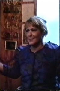 Л.Я. Резник ведет групповую медитацию. 1995 г