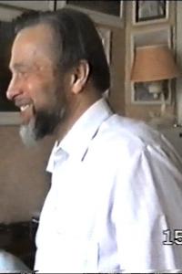 Игорь Алексеевич Матвеев. 1995 г в своей мастерской на празднике